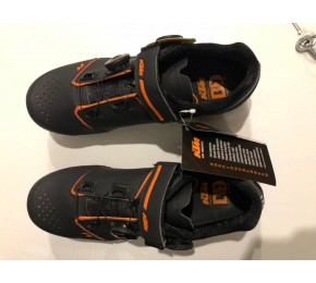 ΠΑΠΟΥΤΣΙΑ KTM FACTORY TEAM CARBON MTB 660350045 45 BLK